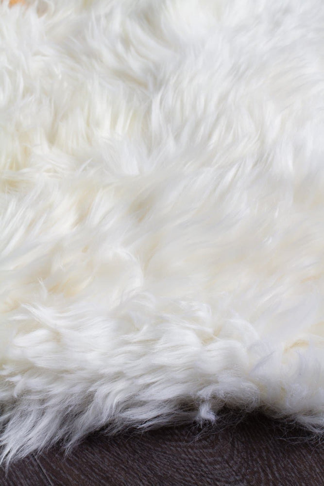 Natural New Zealand Sheep Skin - White