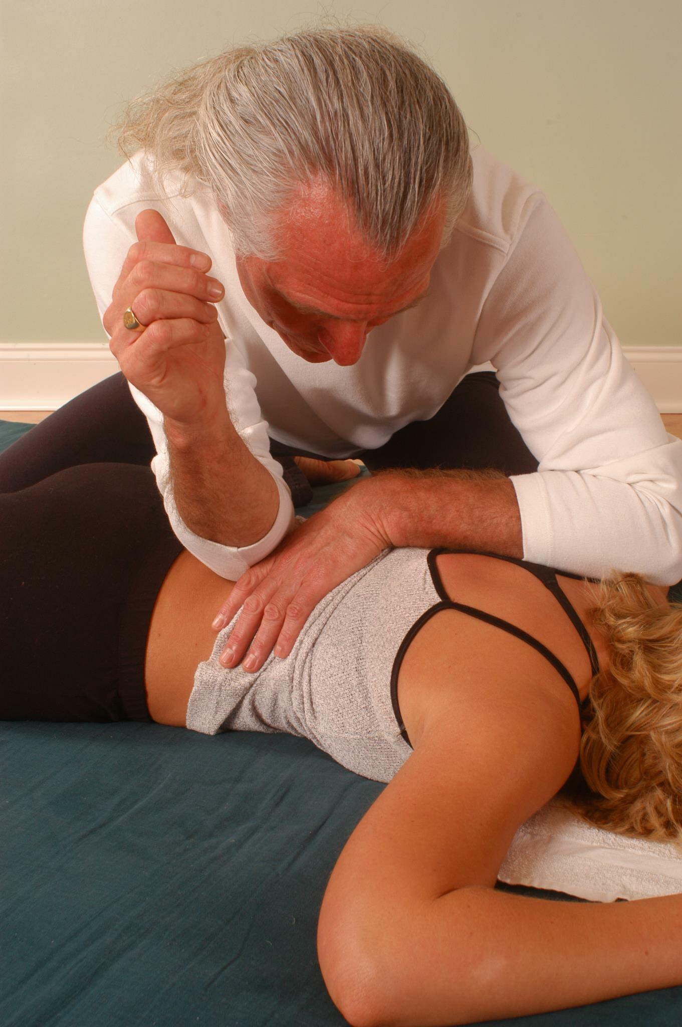 Get Your Groove On ! Lumbar Compression Release Assist.