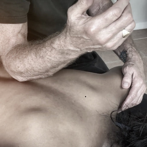 Vedic Lubricant Massage on the Table