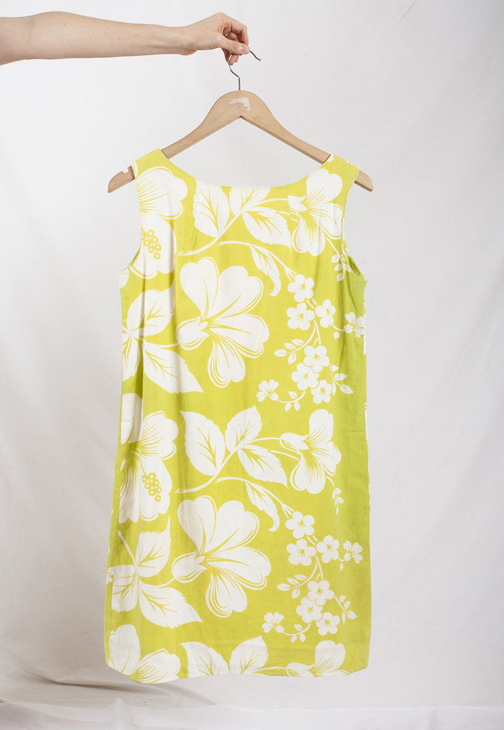vintage holiday hibiscus print lime green and white a line shift dress by graceland collection