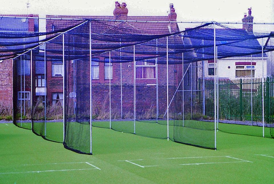 3 Bay Fixed Frame Cricket Cage & Net [10.98m wide]