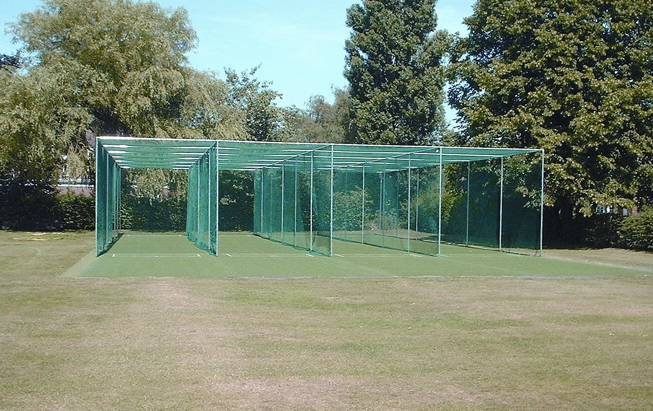 4 Bay Fixed Frame Cricket Cage & Net [14.64m wide]