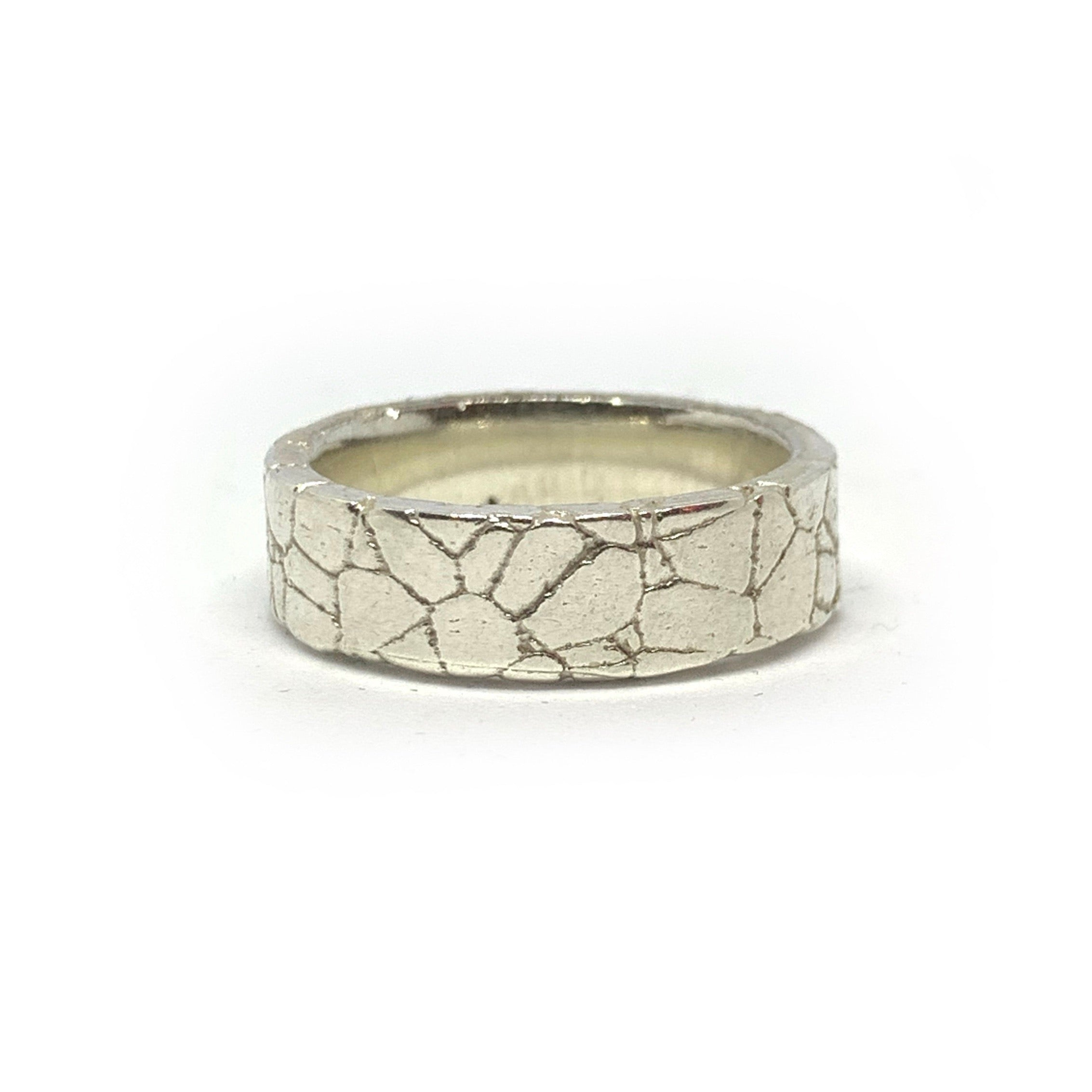 STERLING SILVER CRACKED RING