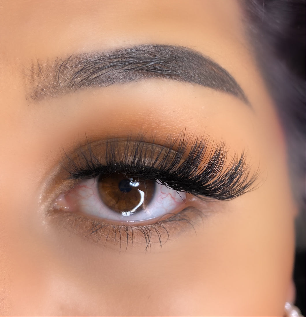 Girly Lashes - Model N650