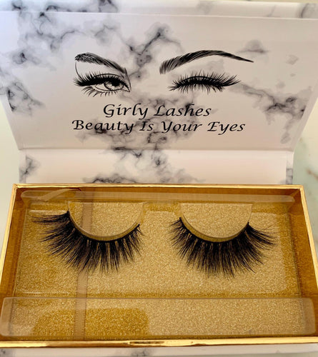 Girly Lashes - Model 5