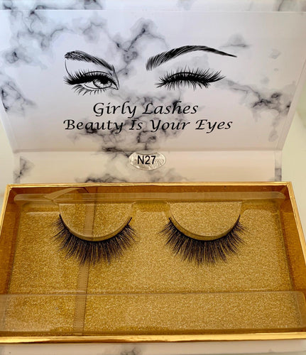 Girly Lashes - Model 8