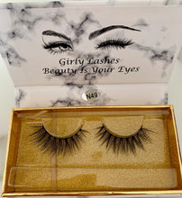 Load image into Gallery viewer, Girly Lashes - Model N49