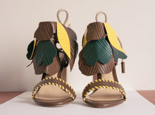 Load image into Gallery viewer, LUPITA FLOR SANDALS