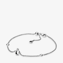 Load image into Gallery viewer, Sparkling Crown O Chain Bracelet