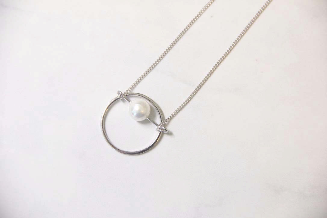Fine Silver- Circle Pearl Pendant Necklace - Sswing Lifestyle Company