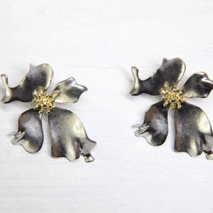 Sale! Silver Metal Floral Shape Earring - Sswing Lifestyle Company