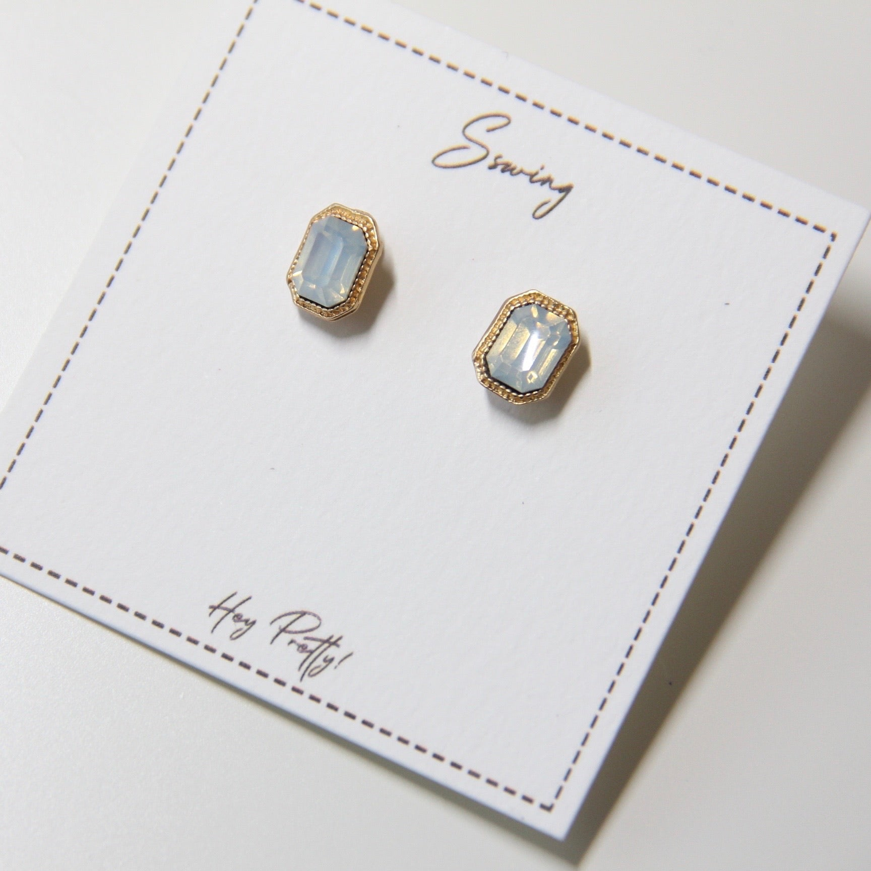 Vintage Mini Stud Earrings - Sswing Lifestyle Company