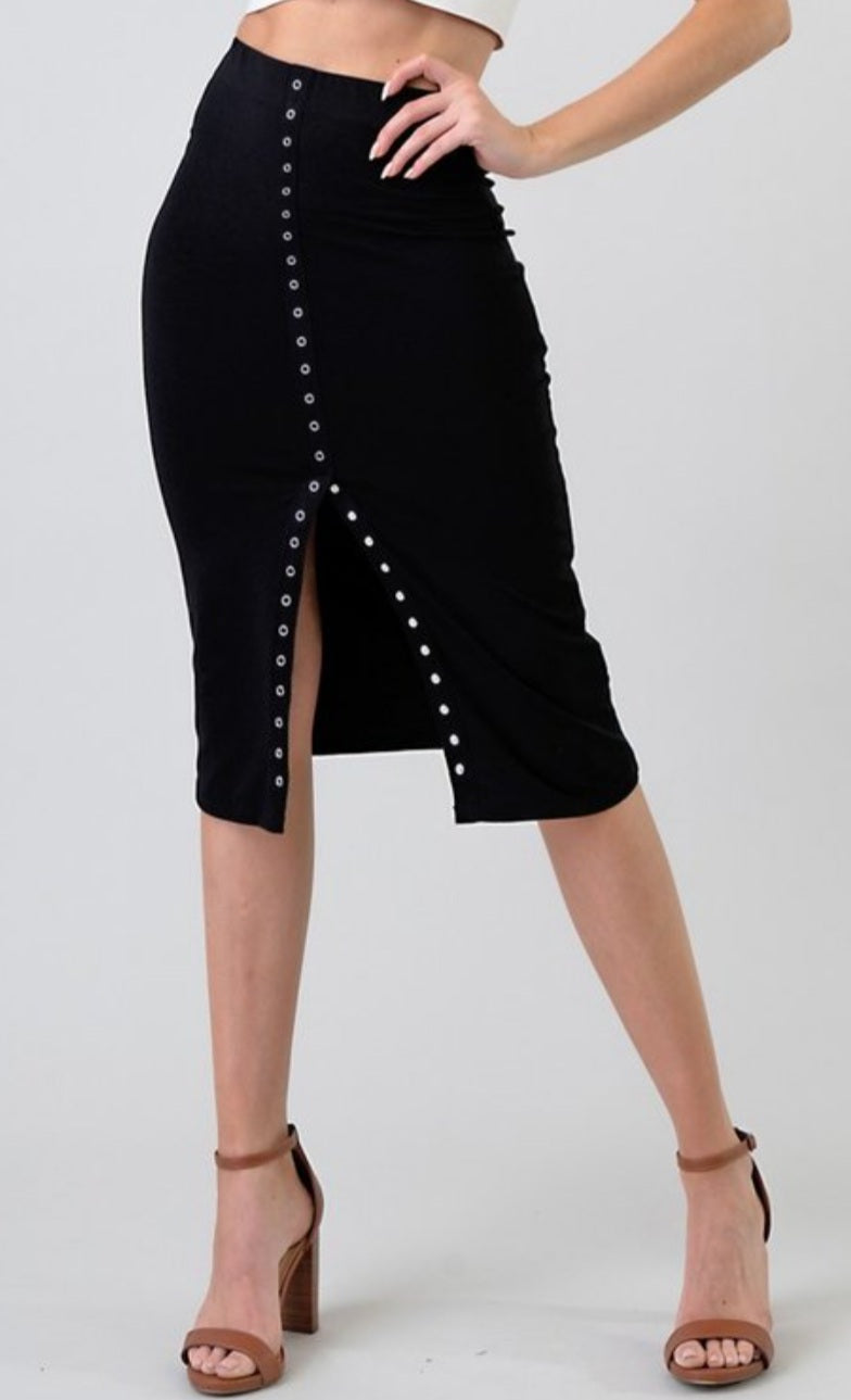 Women's Solid Knit Center Snap Button Midi Skirt - Lookeble