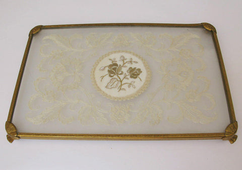 Vanity tray. Embroidery in glass.