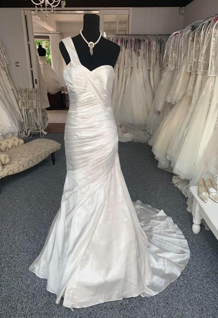 Pronovias Dakota