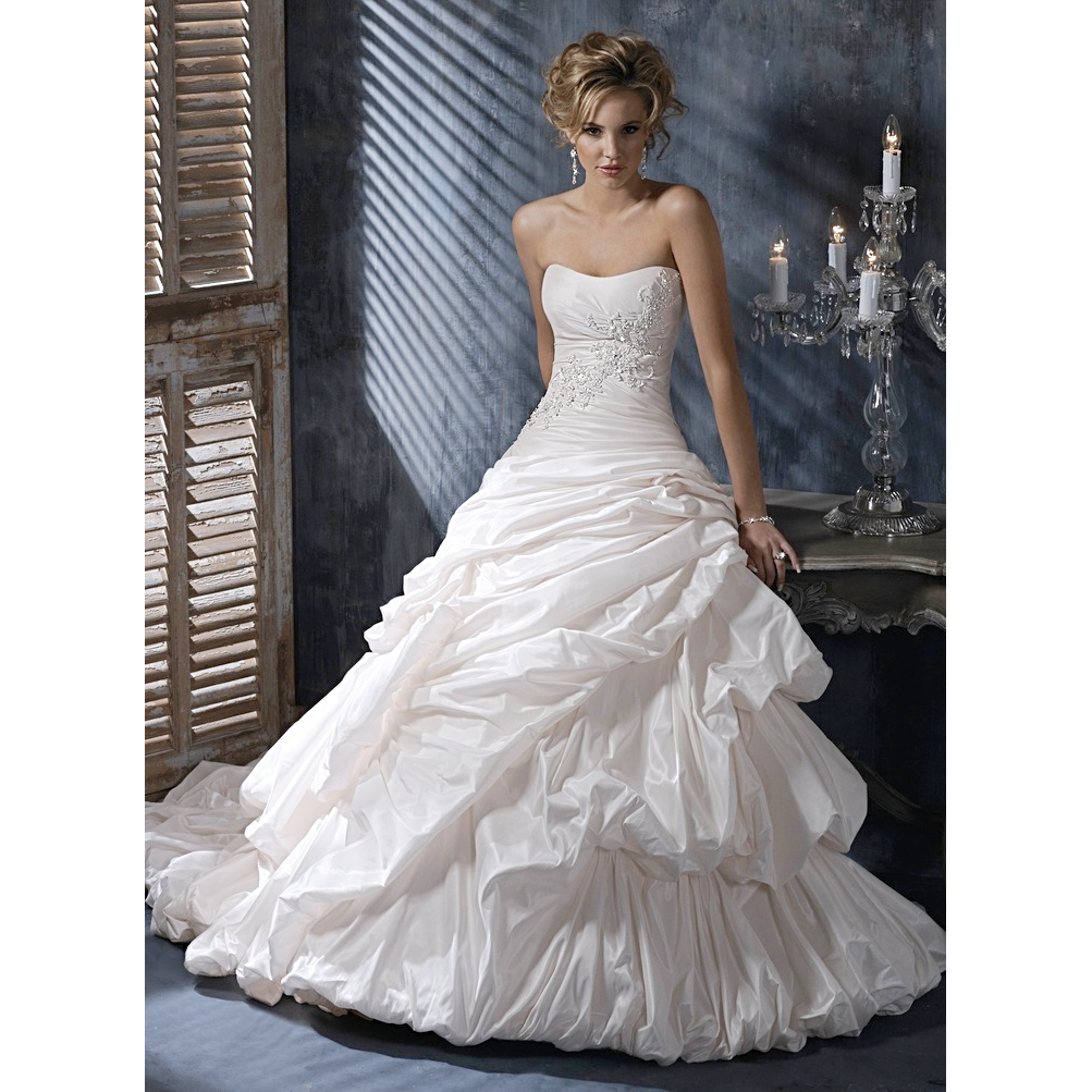 MAGGIE SOTTERO ANNALISE