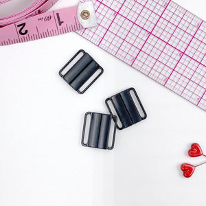 "Hardware & Fasteners - 3/4"" (20mm) Metal Front Closures In Black For Swimwear, Lingerie Or Bra Making"