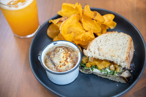 Combo: 1/2 Sandwich + Side + Soup + Drink of the day
