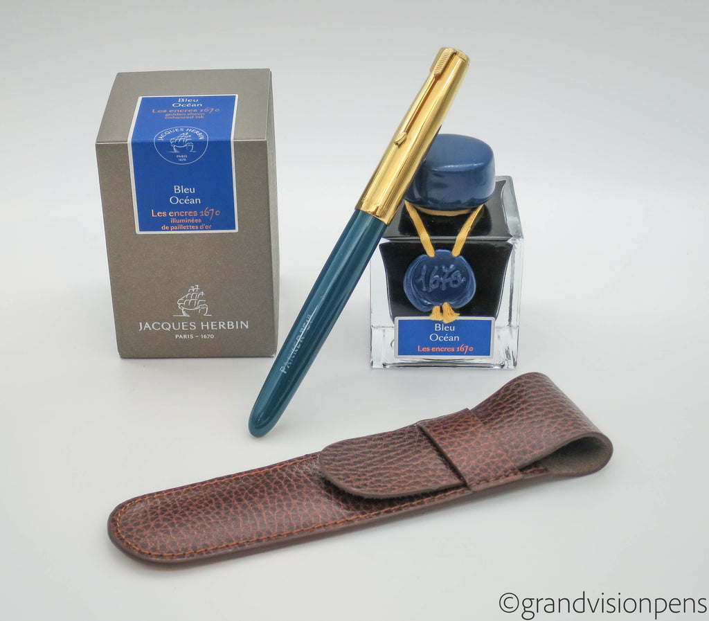 Vintage Fountain Pen, Bottled Ink & Pen Sleeve Gift Set