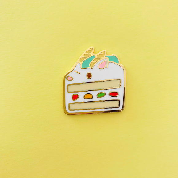 ★Preorder★ Dragon Fresh Cream Cake Enamel Pin