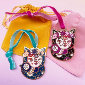 Mama Cat Enamel Tree Decoration (pink)
