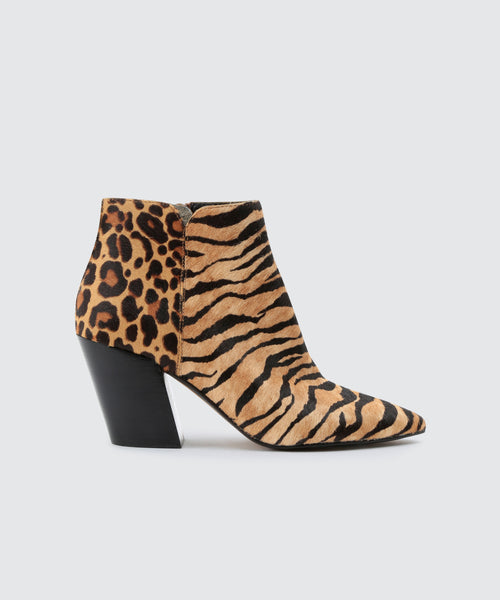 ADEN BOOTIES IN TIGER -   Dolce Vita