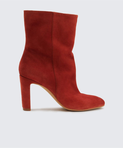 CHASE BOOTIES IN CINNAMON -   Dolce Vita