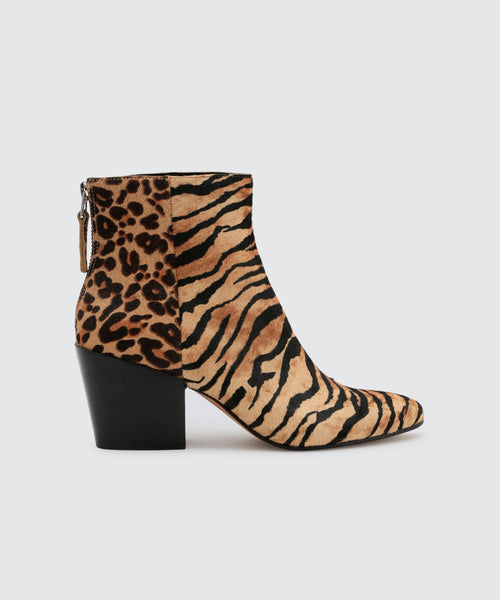 COLTYN BOOTIES IN TIGER -   Dolce Vita
