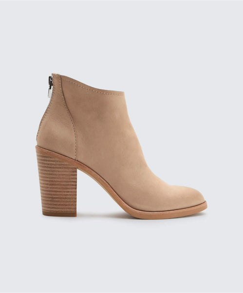 STEVIE BOOTIES IN SAND -   Dolce Vita