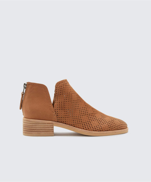 TAURIS BOOTIES IN TAN -   Dolce Vita