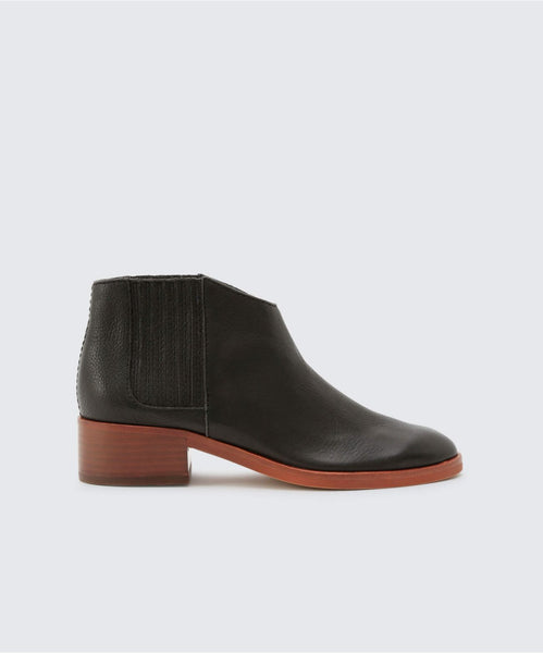TOWNE BOOTIES IN BLACK -   Dolce Vita