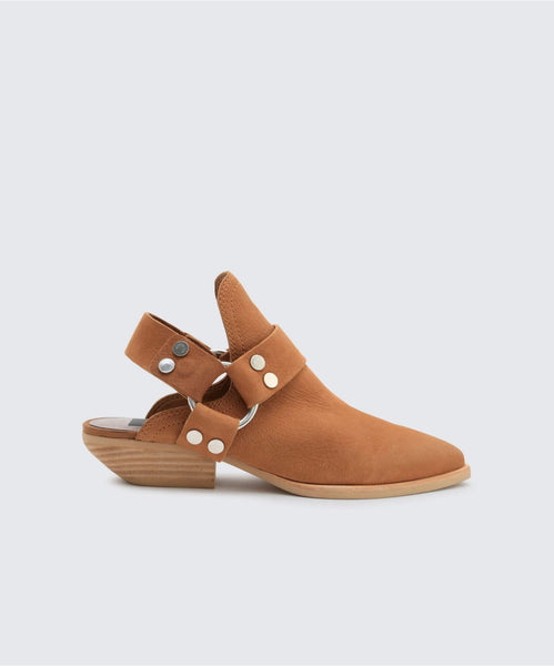 URBAN BOOTIES TAN -   Dolce Vita