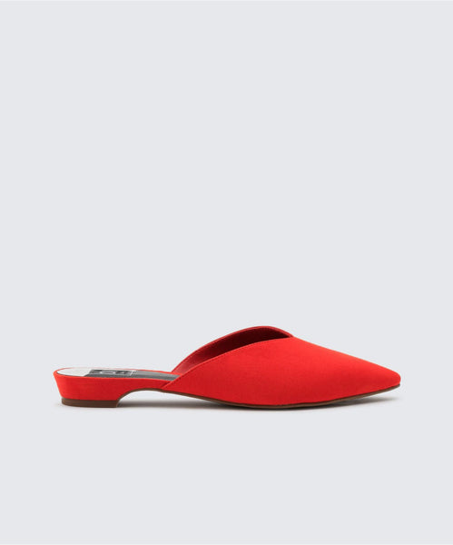 ALERT FLATS IN RED -   Dolce Vita