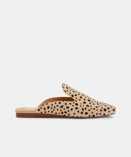 BRAN FLATS IN SAND SPOTTED -   Dolce Vita