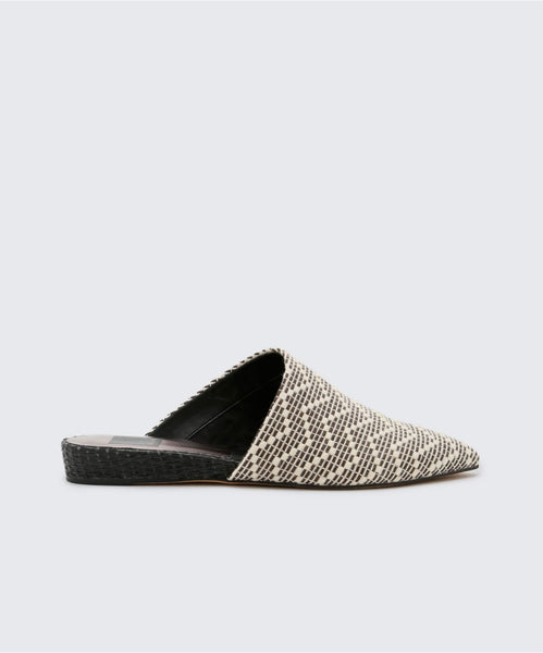 EKKO FLATS IN BLACK/WHITE -   Dolce Vita