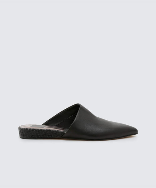 EKKO FLATS IN BLACK -   Dolce Vita