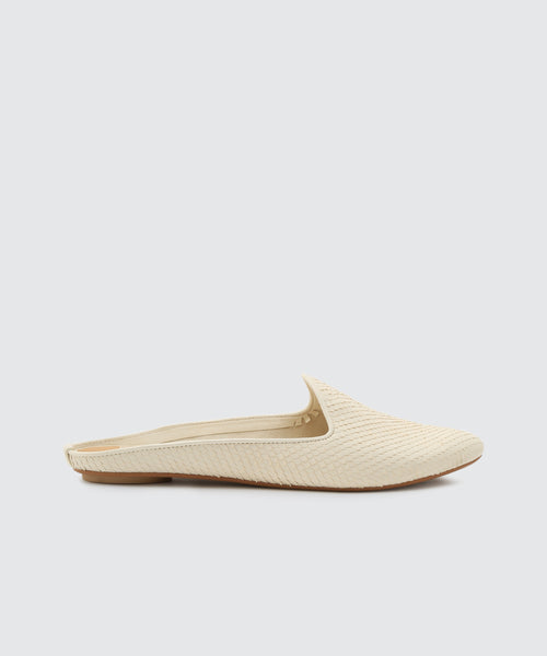 GRANT FLATS IN OFF WHITE -   Dolce Vita