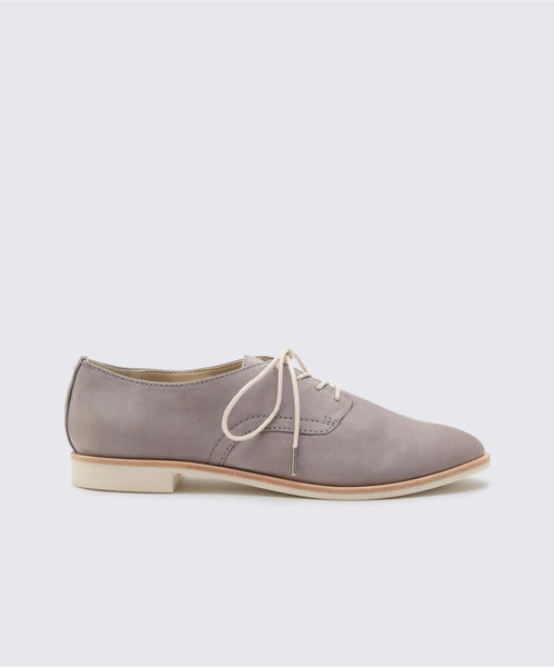 KYLE FLATS IN GREY -   Dolce Vita