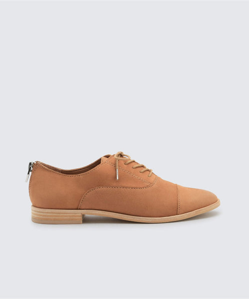 POLO FLATS IN TAN -   Dolce Vita