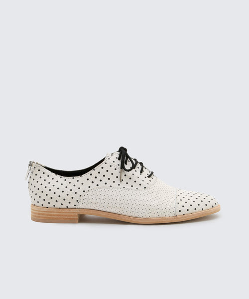 POLO FLATS IN WHITE/BLACK -   Dolce Vita
