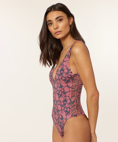 KONA FLORA MACRAME ONE PIECE DUSTY ROSE -   Dolce Vita