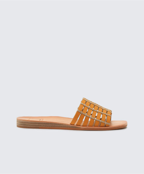 COLSEN SANDALS IN HONEY -   Dolce Vita