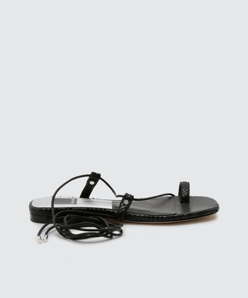 DASH SANDALS IN BLACK -   Dolce Vita