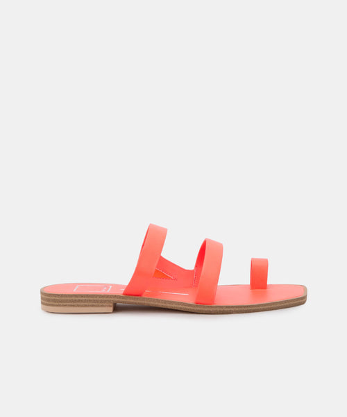ISALA SANDALS IN CORAL STELLA -   Dolce Vita