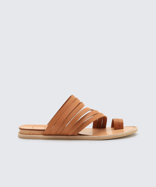 NELLY SANDALS IN CARAMEL -   Dolce Vita