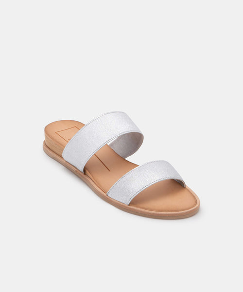 PAYCE SANDALS IN SILVER ELASTIC -   Dolce Vita
