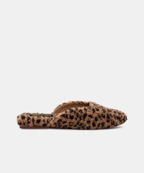 SAYDEE SLIPPERS IN LEOPARD PLUSH -   Dolce Vita
