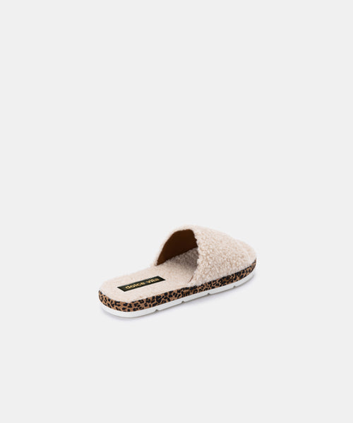 MOCHI SLIPPERS IN NATURAL PLUSH -   Dolce Vita