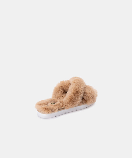 PILLAR SLIPPERS IN NUDE FAUX FUR -   Dolce Vita