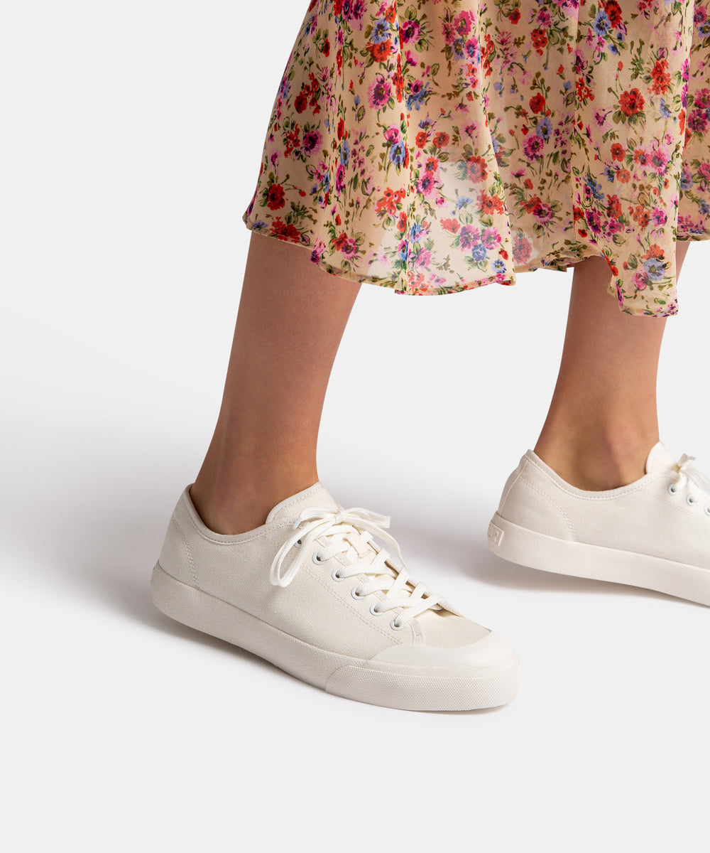 BRYTON SNEAKERS IN WHITE CANVAS – Dolce